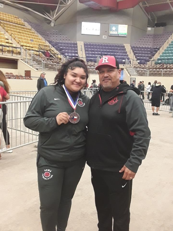 Roma High's Jasmine Casas Earns 5th at State Powerlifting Tourney