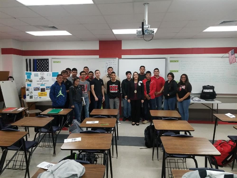 Law Enforcement Agencies Speak to Roma High School Students