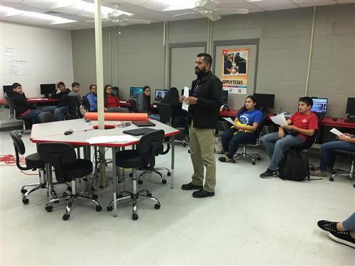 Students learn about opportunities with STC's Dual Enrollment Academy.
